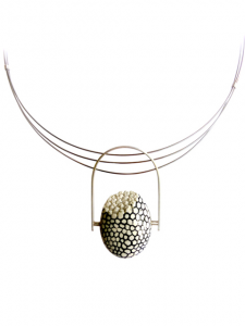 "Picture of ""primer collar"", a jewellery piece by Andrea Nabholz"